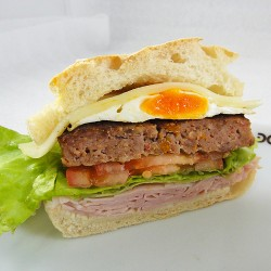 Hamburguer com Ovo